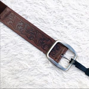 NWT Chocolate Brown Floral Carved Leather Belt M/L